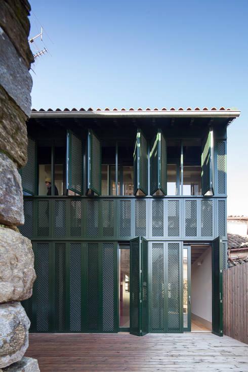 Casas de estilo ecléctico de Marta Campos - Arquitectura, Reabilitação e Eficiência Energética