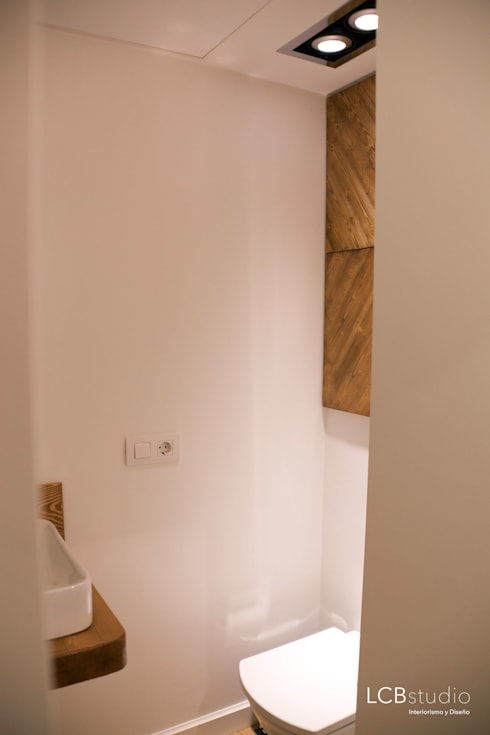 Bathroom by LCB studio