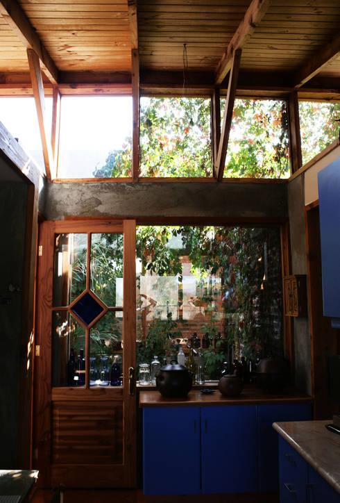 Jardines de invierno de estilo  por ALIWEN arquitectura & construcción sustentable - Santiago