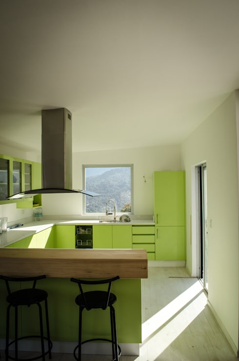 Kitchen by Norte Arquitectura y Construccion