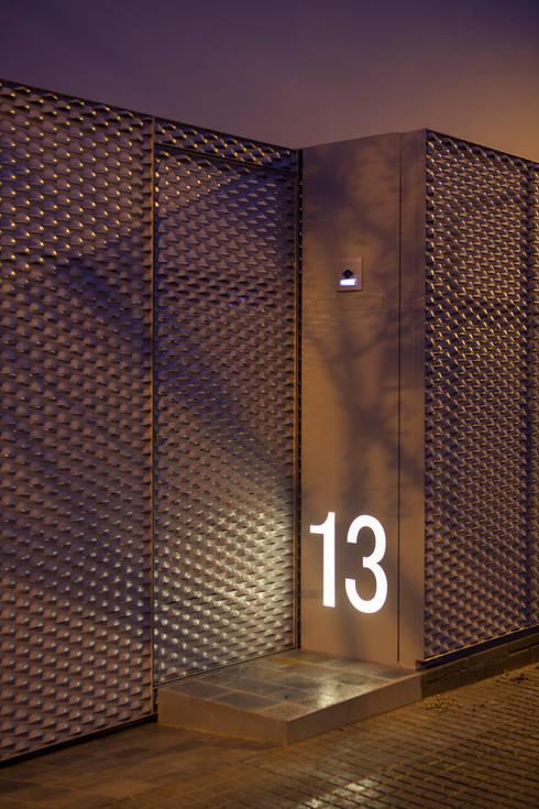 minimalistic Houses by CABRÉ I DÍAZ ARQUITECTES