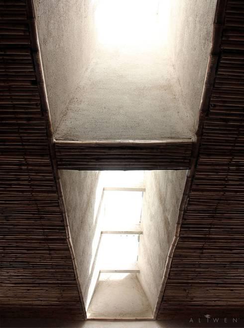 CASA VICUÑA:  de estilo  por ALIWEN arquitectura & construcción sustentable