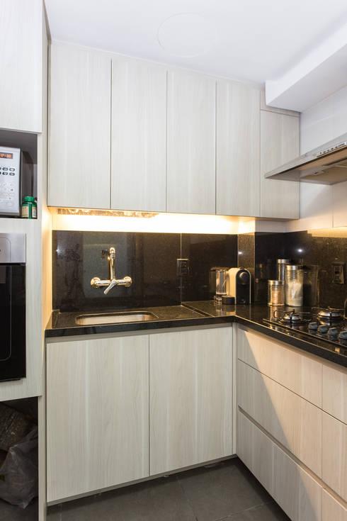 Kitchen by Kali Arquitetura
