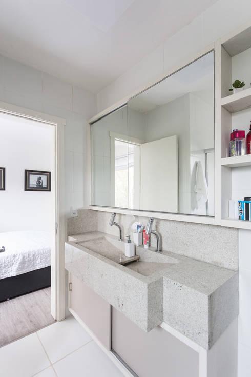 SDV | Banho: Banheiros  por Kali Arquitetura