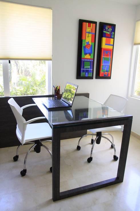 APTO PS: Oficinas de estilo moderno por JAVC ARQUITECTOS S.C