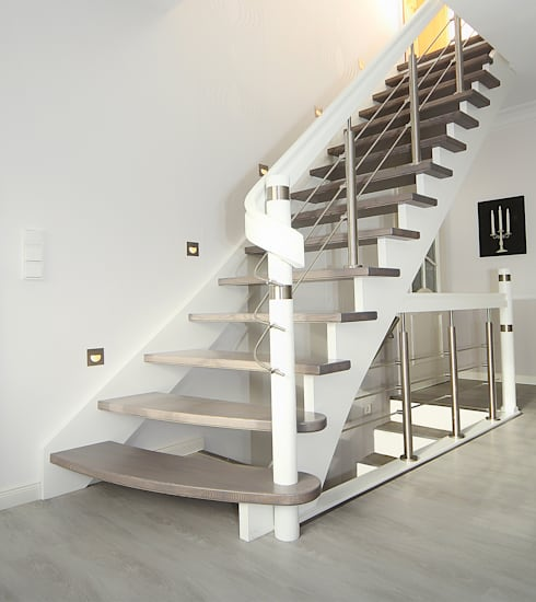 gerade treppe aus eschenholz von streger massivholztreppen gmbh homify. Black Bedroom Furniture Sets. Home Design Ideas