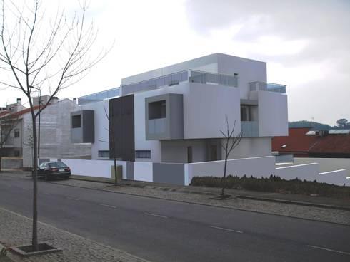 MORADIAS UNIFAMILIARES  T4 - VALONGO - PORTUGAL : Casas minimalistas por SILFI - ARQUITETURA, ENGENHARIA E CONSTRUÇÃO