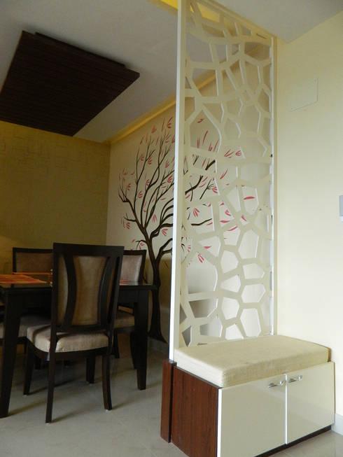 3 BHK Apartment in Bengaluru:  Study/office by Cee Bee Design Studio