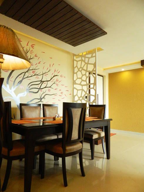 3 BHK Apartment in Bengaluru:  Dining room by Cee Bee Design Studio