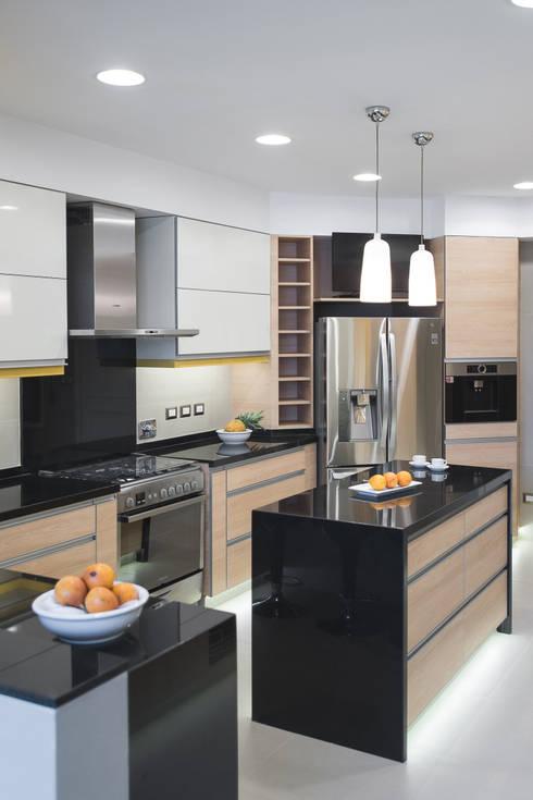 Cocinas de estilo moderno por Duo Arquitectura y Diseño