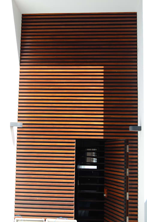 Casa de Creixomil:   por Engebasto - Atividades de Engenharia e Arquitetura, Lda