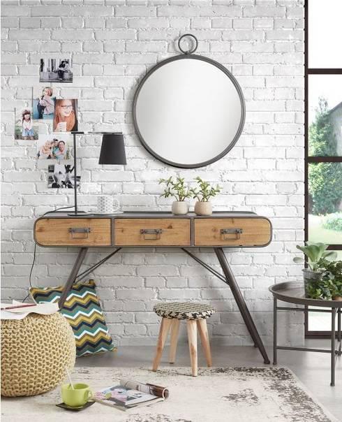 Pasillos, vestíbulos y escaleras  de estilo  por Intense mobiliário e interiores;
