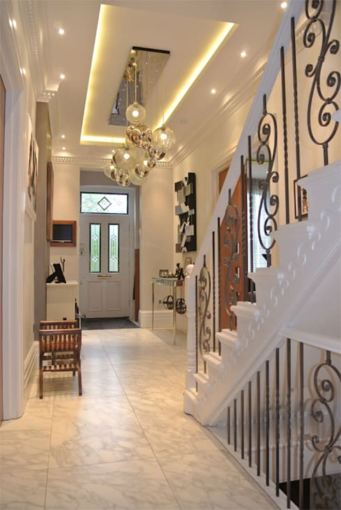 Hallway:  Corridor & hallway by Rethink Interiors Ltd