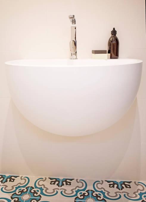 italiaanse wastafel:  Badkamer door IJzersterk interieurontwerp