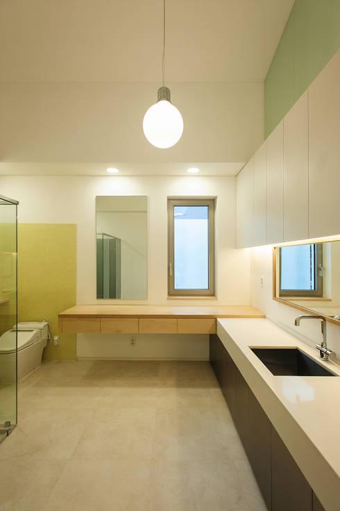 평창동 주택 (Pyeongchangdong House) : 위빌 의  욕실