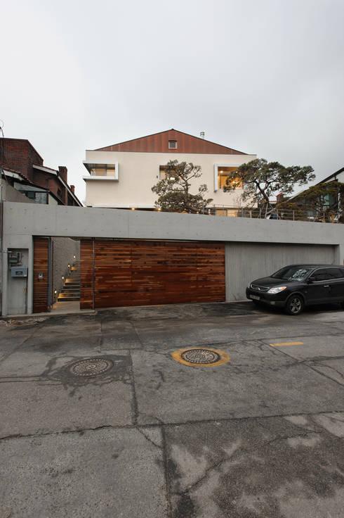 평창동 주택 (Pyeongchangdong House) : 위빌 의  주택