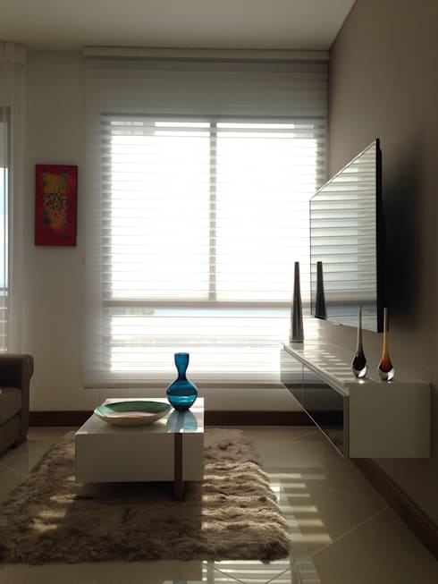 Apartamento Majestic 2103: Salas multimedia de estilo moderno por John Robles Arquitectos