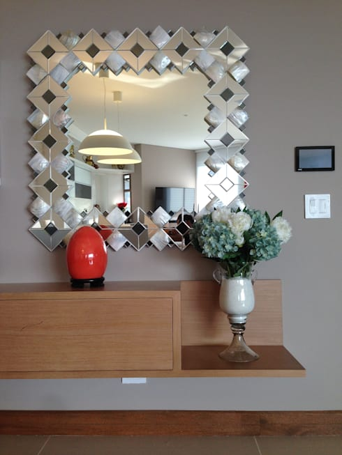 Apartamento Majestic 2103: Comedor de estilo  por John Robles Arquitectos