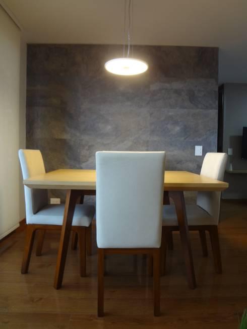Apartamento Alcaparros Montanar: Comedor de estilo  por John Robles Arquitectos