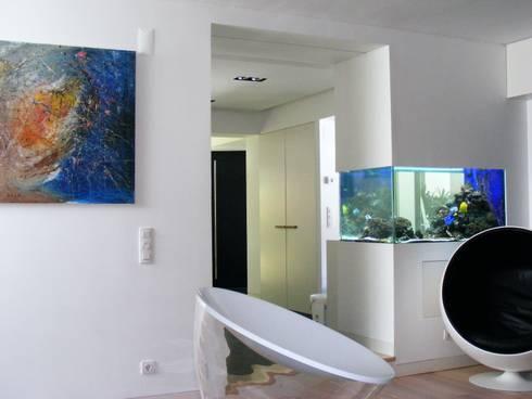 ADn Saltwater aquarium : Corredor, hall e escadas  por ADn Aquarium Design