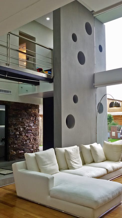 CASA H2 - Estudio Fernandez+Mego: Livings de estilo  por Estudio Fernández+Mego