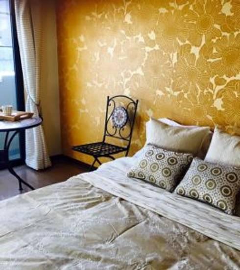 ワンルームリノベーション: みなやまくみこ.comが手掛けた寝室です。