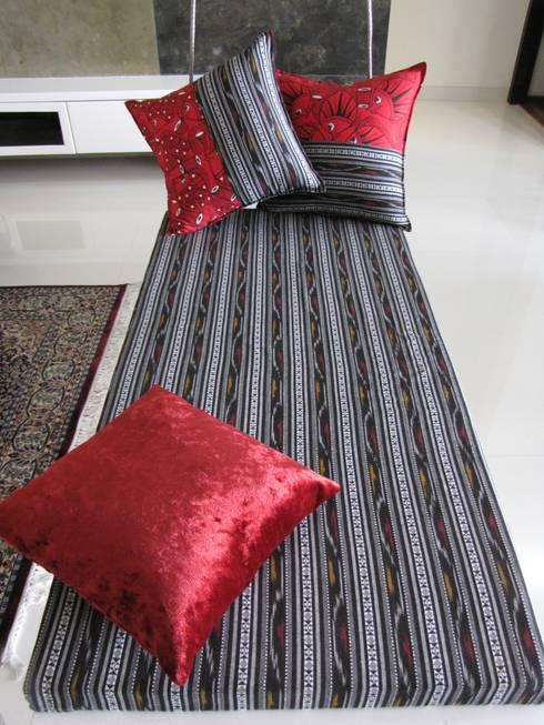 Intriguing Ikats: asian Living room by TUNI Interiors Pvt. Ltd.