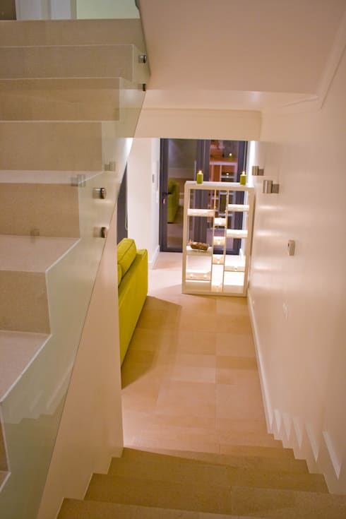 After - Stairs:   por Architecture Tote Ser