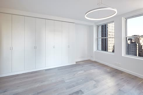 Downtown White on White Apartment: minimalistic Study/office by Andrew Mikhael Architect