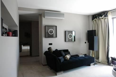Apartamento – Restauro: Salas de estar modernas por Decorando - Inner Spaces