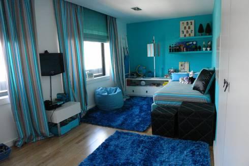 Apartamento – Restauro: Quartos modernos por Decorando - Inner Spaces