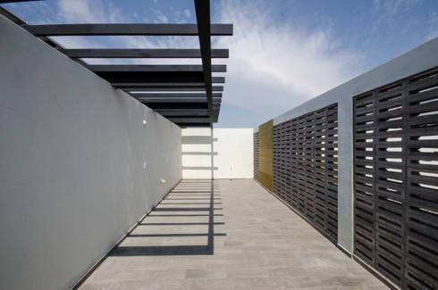Azotea:  de estilo  por PABELLON de Arquitectura