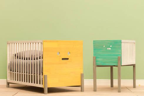 Cunas y moíses: Habitaciones infantiles de estilo  por MARIANGEL COGHLAN