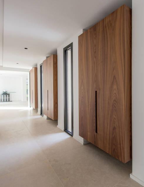 habitation priv e en p v le di mayelle architecture int rieur design homify. Black Bedroom Furniture Sets. Home Design Ideas