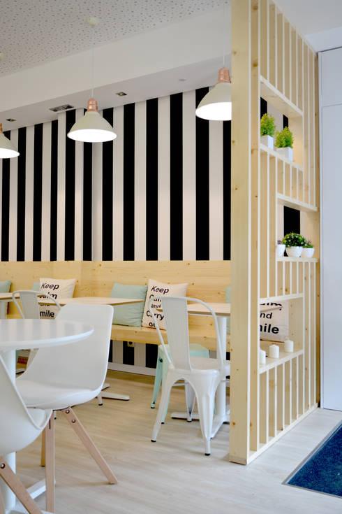 Pastelaria Profiterole: Espaços comerciais  por Tó Liss