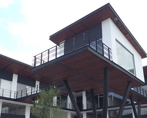 Detalle: Centros Comerciales de estilo  por AParquitectos