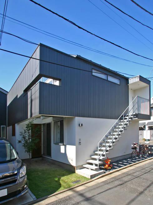 空と暮らす家: 設計事務所アーキプレイスが手掛けた家です。