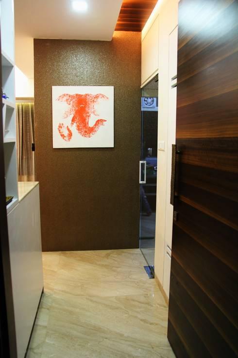 The Shah Villa :  Corridor & hallway by Elevate Lifestyles