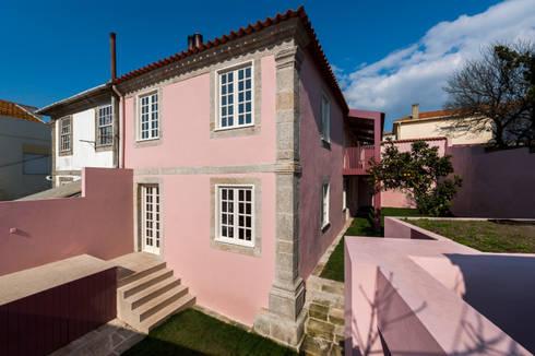 Fachada Tardoz: Casas clássicas por ABPROJECTOS