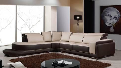 Sofás de canto Corner sofas www.intense-mobiliario.com  Luxembourg http://intense-mobiliario.com/pt/sofas-de-canto/6714-sofa-de-canto-luxembourg.html: Sala de estar  por Intense mobiliário e interiores;