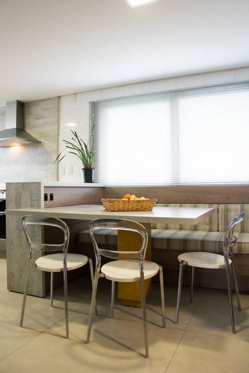 modern Kitchen by João Luís Linck | Arquitetura