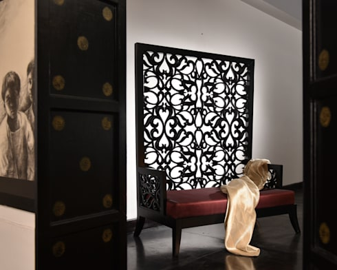 Royalty: asian Living room by KNOCK ON WOOD