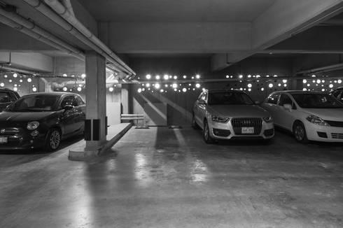 Sinaloa 20: Garajes de estilo moderno por PHia