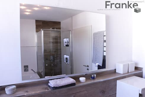 badezimmer mit fliesen in einer holzoptik von franke raumwert homify. Black Bedroom Furniture Sets. Home Design Ideas