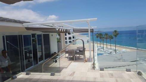 Fase Palillerias ZEN para terrazas Habitaciones Hotel Los Cabos: Balcones y terrazas de estilo mediterraneo por GAVIOTA MEXICO
