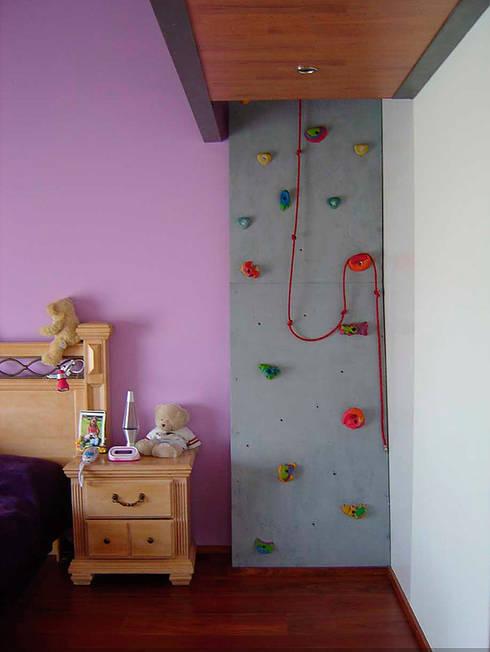 Nursery/kid's room by AParquitectos