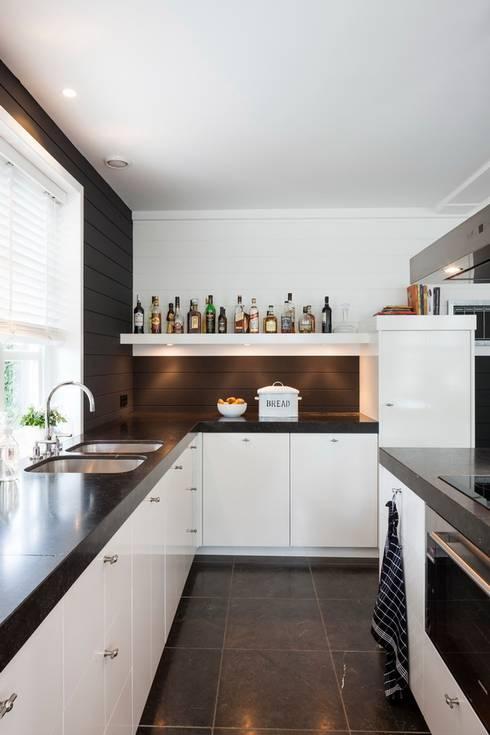 Landelijke woning MiCasa:  Keuken door Brand BBA I BBA Architecten