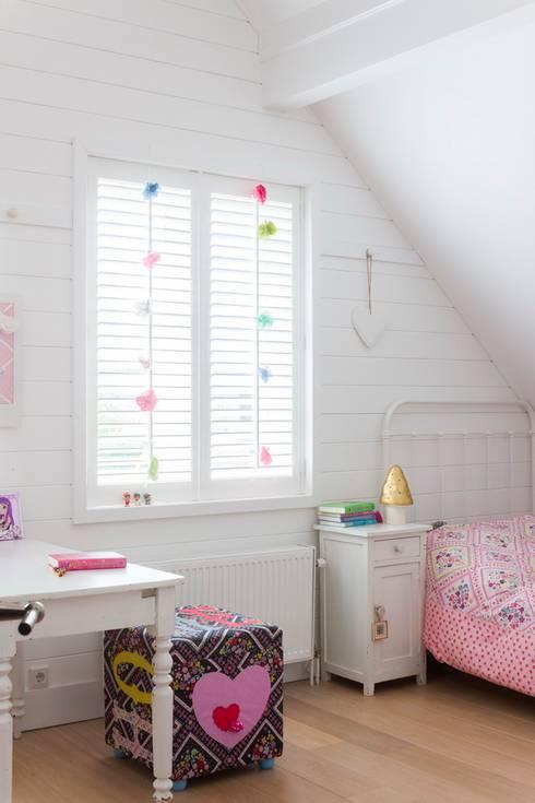 Nursery/kid's room by Brand BBA I BBA Architecten