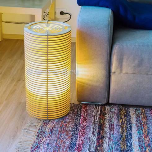 bodenlampe stehlampe in 3 h hen von wood manufaktur homify. Black Bedroom Furniture Sets. Home Design Ideas