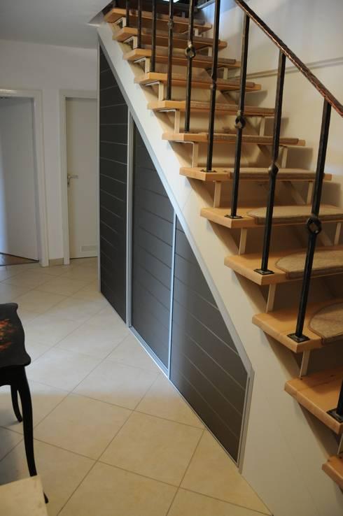 einbauschrank unter einer treppe von d rr planen einrichten homify. Black Bedroom Furniture Sets. Home Design Ideas